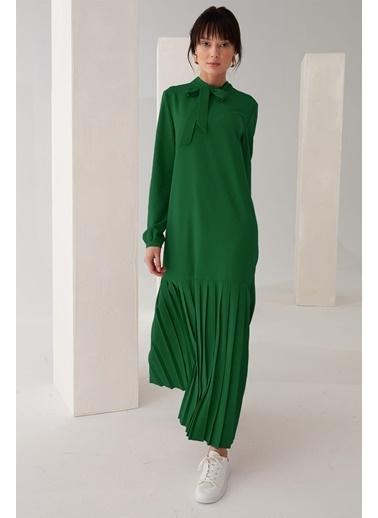 Vivencia Pliseli Boyundan Bağlamalı Elbise Zümrüt Yeşil